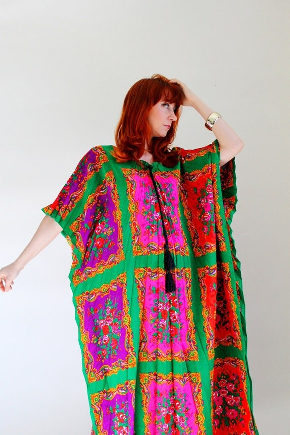 Summer Sale - Vintage 1970s Bright Pink Orange Green Floral Caftan. Pleated Tunic. Resort. Beach Cover Up. Boho. Gypsy. Summer. Size Large