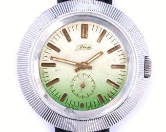 Vintage huge watch, mens watch, gender unisex, green watch, ladies watch