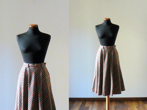 Vintage 1970s skirt. 70s tartan skirt. wool skirt