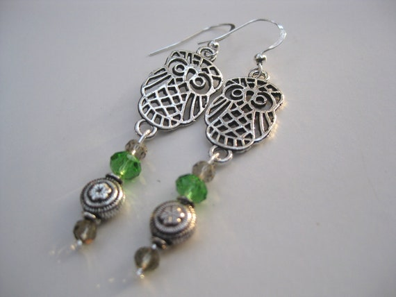 FREE SHIPPING Lovely OWL Earrings Silver Tone with Swarovski Apple Green Crystal Round Cut  Stones