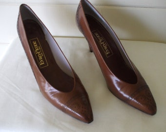 Evan Picone Brown Leather Pumps,  Vintage  80's SZ 9N fits 8M