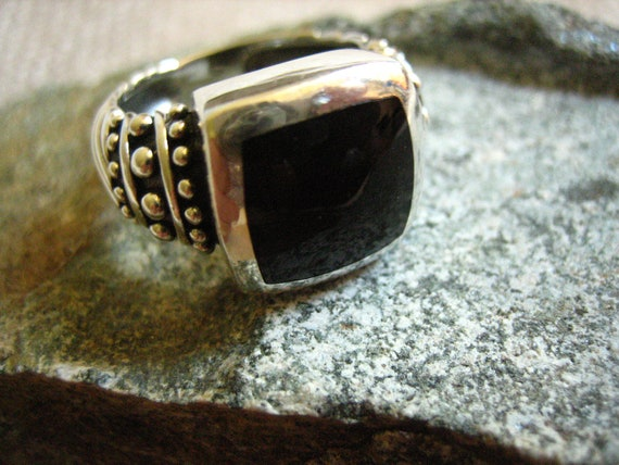 Vintage Sterling Silver Onyx Ring US 7  .....2259