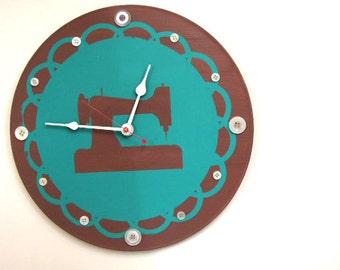Antique Sewing Machine Clock  olyteam
