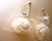 Flower Ornament Favor. 12 Wedding Favor Gifts. Woodland Favor Gift. Gold and Grey. Tulle and Sola Flowers. Tapioca and Tulle.