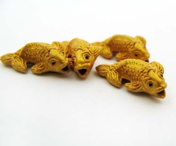 20 tiny ceramic beads gold koi fish beads cb702 for Koi fish beads
