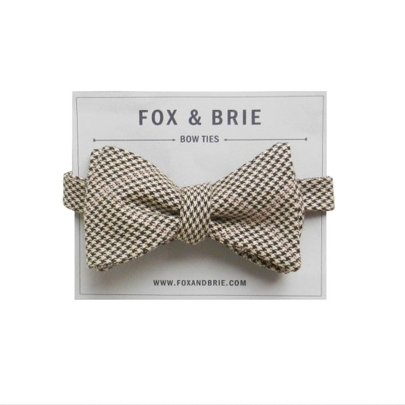 Fawn Houndstooth (bow tie)