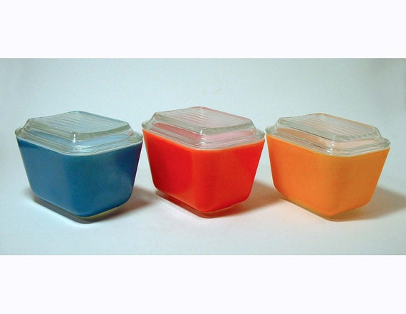 Vintage Pyrex Storage Bowls in Blue, Red and Tangerine with Glass Tops