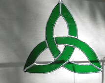 Bright Green Trinity Knot