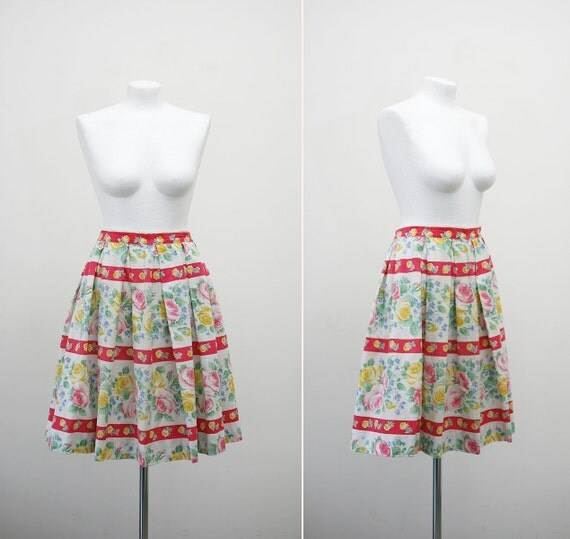 FREE SHIPPING. 1950s vintage cotton floral pleated skirt (medium)