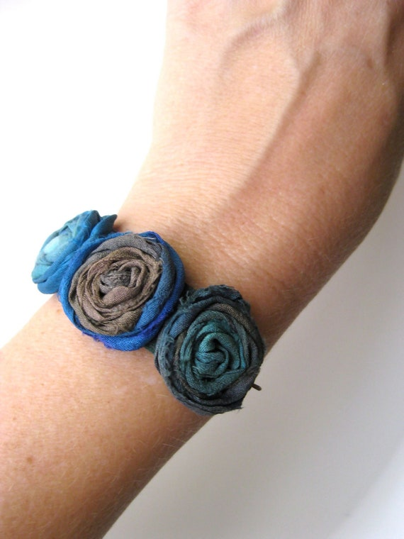 Ocean Romance Bracelet - Floral rosette bracelet in greens, blues, purples, and browns with copper chain