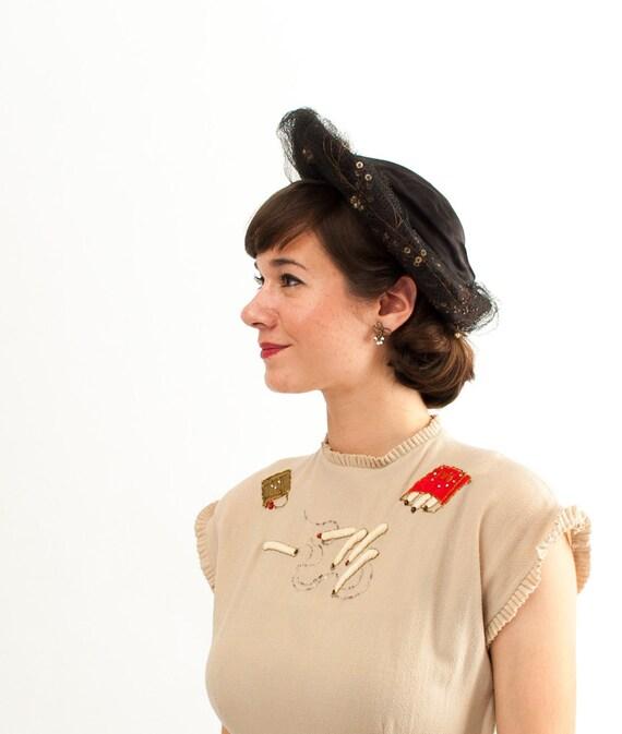Vintage 1940s Hat - 40s Peaked Brim Hat - Black Satin with Sequins and Pearls