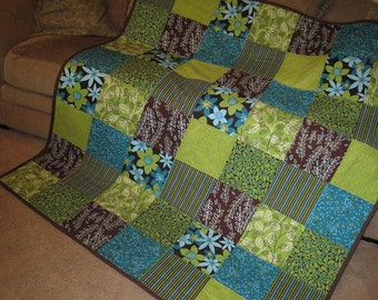HANDMADE Modern Americana Patchwork Lap Quilt-KOKOMO Teal/Turquoise/Green Lap Quilt-Bed Coverlet-Unique Wedding Quilt-Girls Dorm Room Quilt