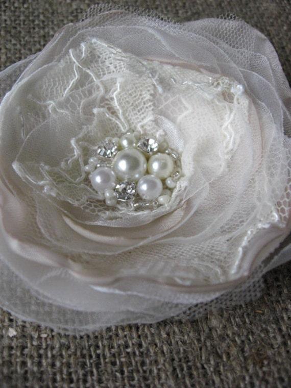 Bridal hairpiece fascinator wedding Hair clip vintage inspired Cream Ivory Beige Sand Lace Rhinestone lace Rose Flower