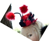 Ladybug mini top hat Great for Halloween, Birthday parties, photo shoot or Just beacuse.....