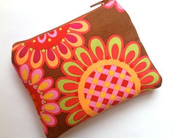 Zip Pouch Purse Sm Gadget Coin Case Padded- Folk Flowers -Red Brown