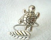 silver turtle ring with a leaf, wrap open style, adjustable ring, animal ring, silver ring, statement ring
