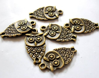 OWL, 10 Tibetan Antique Bronze or Silver Pendant Charms, Lead Free