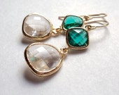 Emerald green and clear glass gold dangle earrings.  Bridal.  Bridesmaids.  Weddings.  NEW.