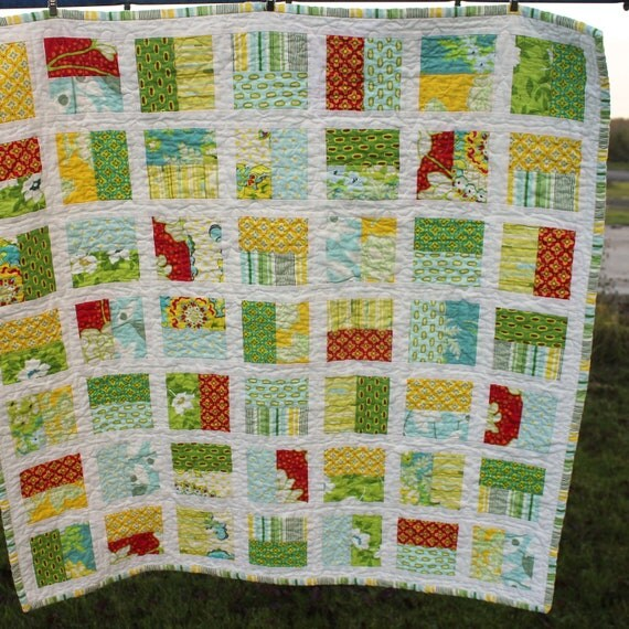 SALE - QUILT, Heather Bailey Half Squares Baby Crib Quit