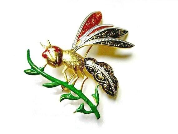 Vintage Adorable Flying Bug Figural signed SPAIN Damascene Enameled Brooch Pin