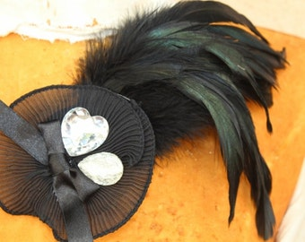 Cute feather  applique  with  rhinestones 1 pieces listing