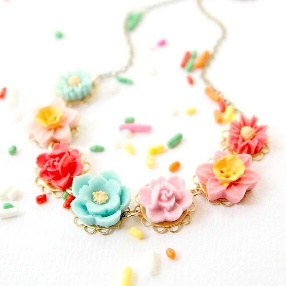 Flower Girl Necklace, Flower Girl Gift, Girls Flower Necklace,  Flower Girl Jewelry, Gift for girls