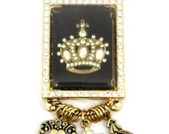 Large rehinstone amazing Crown Pendant