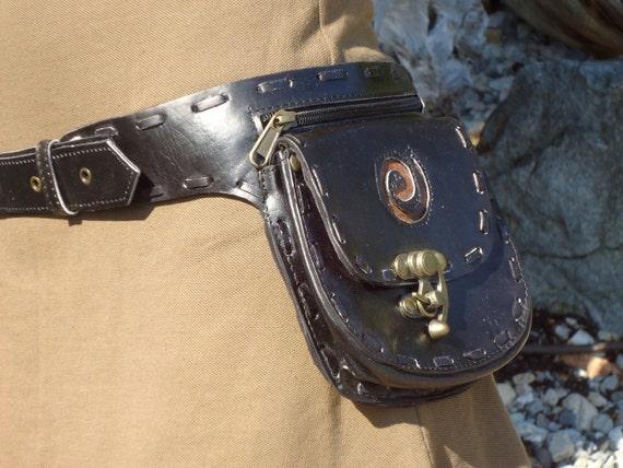 leather utility belt bag hip bag with pockets in black with. Black Bedroom Furniture Sets. Home Design Ideas