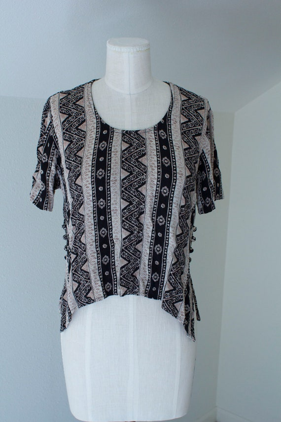 Pretty Nineties Crop Top with Side Button Detail, Size M