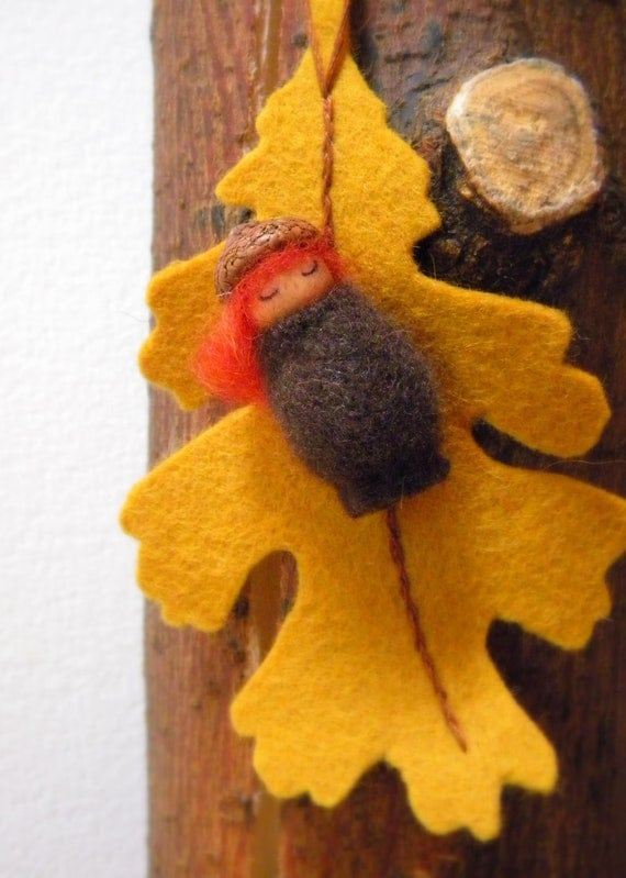 Waldorf Acorn Girl Ornament, Autumn, Fall, nature table, Oak leaf, acorn, brown, red, yellow, gold, acorn cap