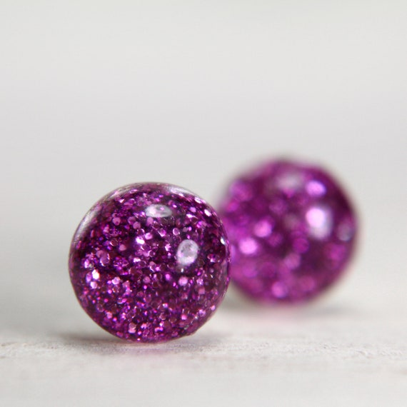 globe earrings in sparkly magenta - 8mm - pink post earrings - glitter resin studs
