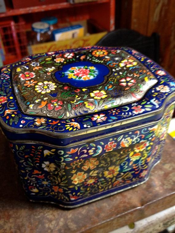 vintage made in England tin beautiful trinket jewelry box sewing box or tea tin gypsy chic