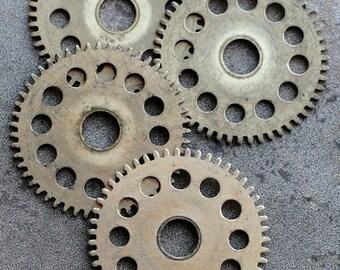 Vintage clock brass gears -- set of 4 -- D4