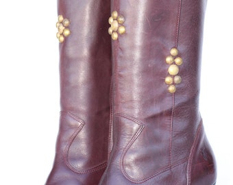 Sexy, One of a Kind, Frye, studded, boho leather, moccasin boots with leather tassels, 7 M Mint