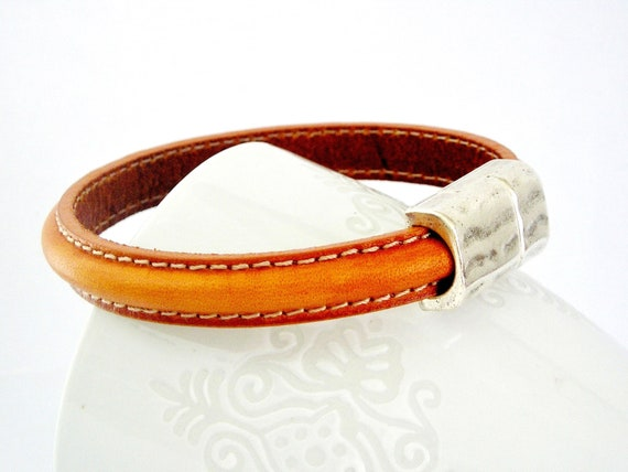 Orange brown semiround double sewed leather bracelet with zamak magnetic clasp