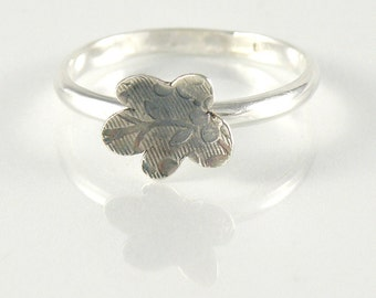 Flower Stacking Ring in Sterling Silver, Dainty Ring  Cute Flower Ring with Floral Pattern, Silver Stackable Ring, Tiny Flower Ring