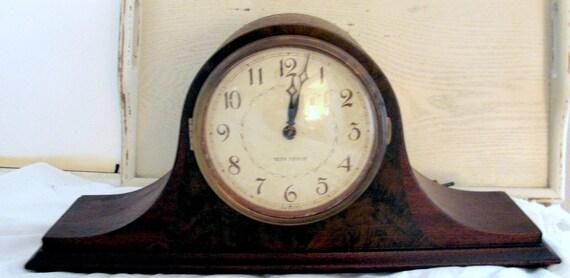 TREASURY ITEM Vintage Wooden  Seth Thomas Chime Mantel Clock