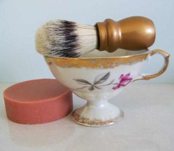 Delicate Women's Shaving Kit