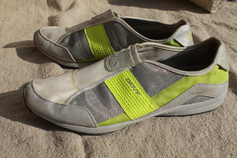 dkny vtg slip on tennis shoes sporty chic u s size 7 5