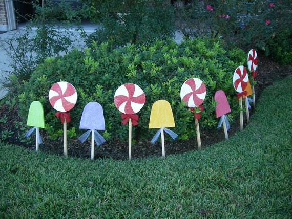 Candy land gingerbread house candy set of 10 yard art for Gingerbread house outdoor decorations