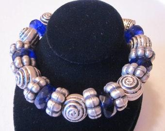Vintage Silver Tone Bracelet with Bluish Purple Glass Beads