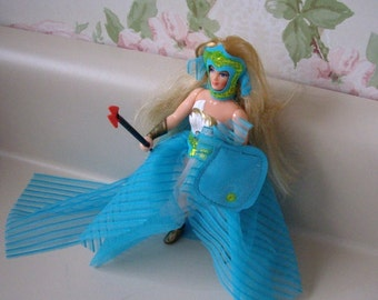 Action Figure She Ra Princess of Power doll in Hard to Find Deep Blue Secret Fashion, 1980s toy