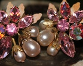 Vintage Pink and Pearl Rinestone Clip on Earrings