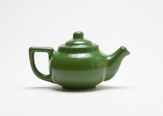 Teapot - Small, Green, Vintage