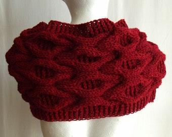 Red wine cherry oxblood ellegant warm chunky cabled big bulky wool scarf shawl shoulderwarmer