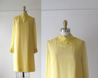 SALE vintage 1960s dress / 60s mini dress / Lemon Drop