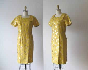SALE vintage 1960s dress / 60s dress / Golden Girl
