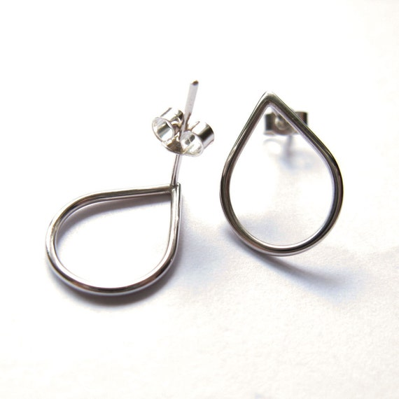 Rain Drop, simple sliver stud, sterling silver post earrrings