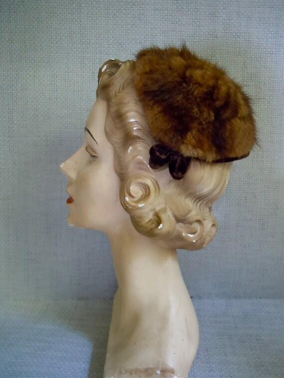 Vintage Fascinator/ 1940s-50s, Mink, Chocolate Velvet hat, Fur