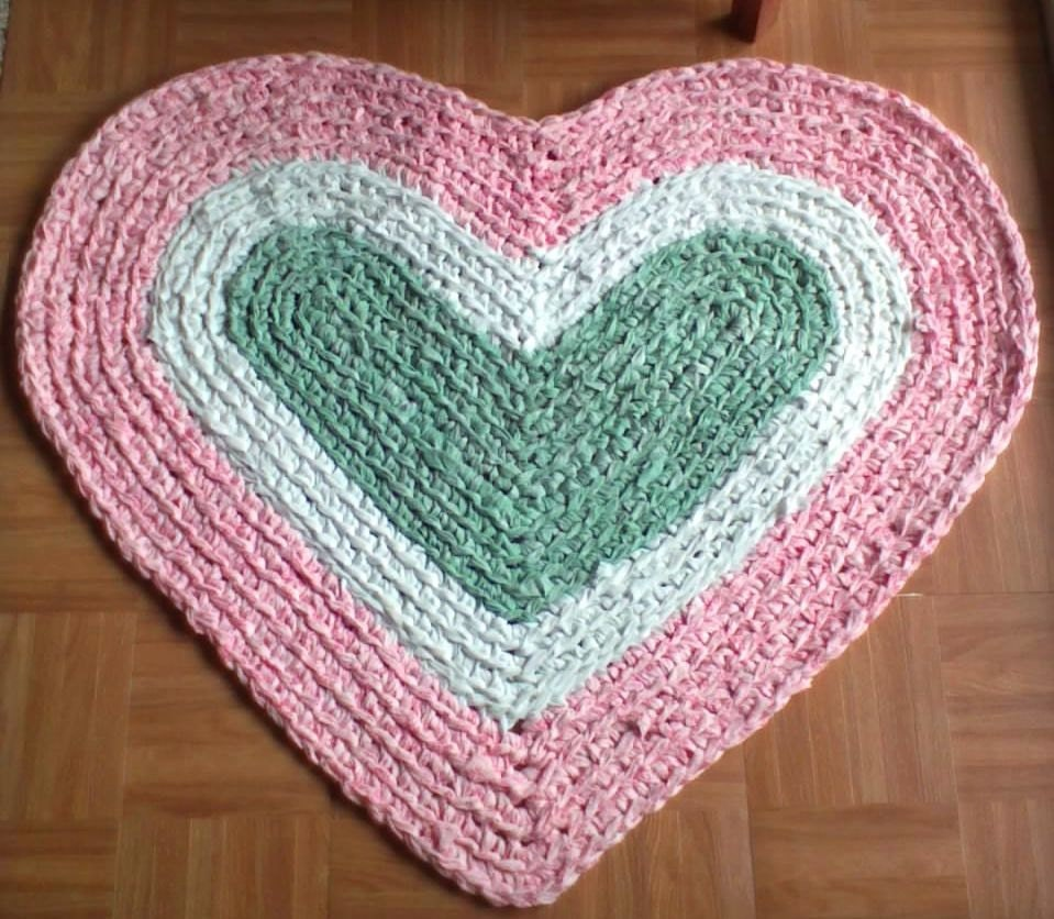 Crocheted Country Heart Rag Rug Pink White Sage By